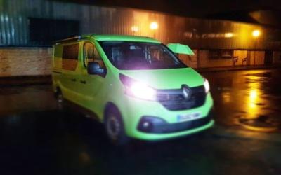 Renault trafic verde camperizada